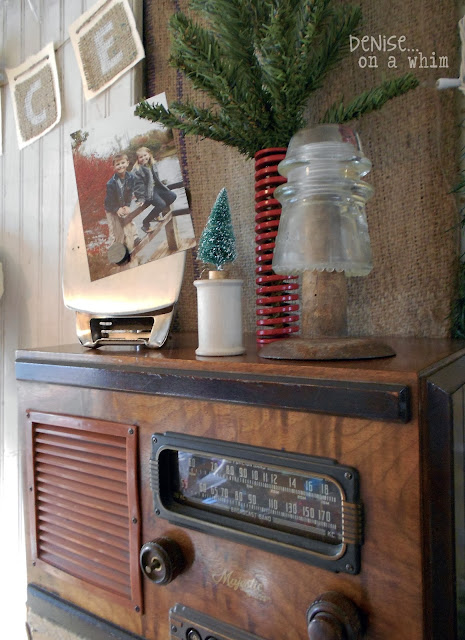Vintage Radio and Spools in a Christmas Vignette via http://deniseonawhim.blogspot.com