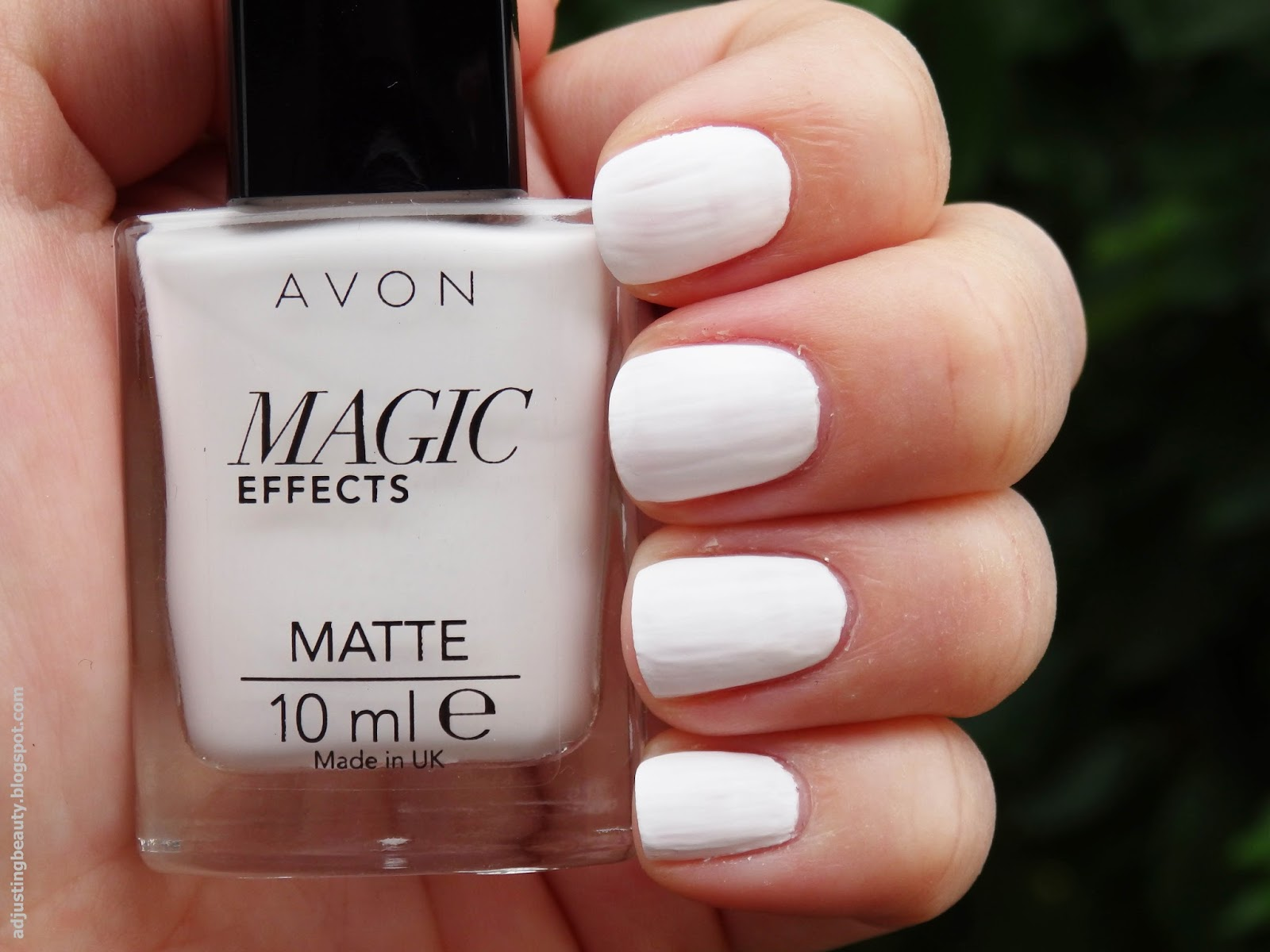 Review: Avon Magic Effects Matte nail polishes (White, Black ...