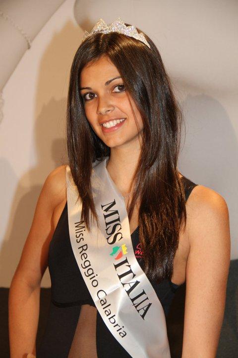 http://4.bp.blogspot.com/-KUL9MHnpqtA/TngxnS5YJqI/AAAAAAAAU_g/jDjQZkchb8E/s1600/miss-italia-2011-calabria-Stefania-Bivone.jpg