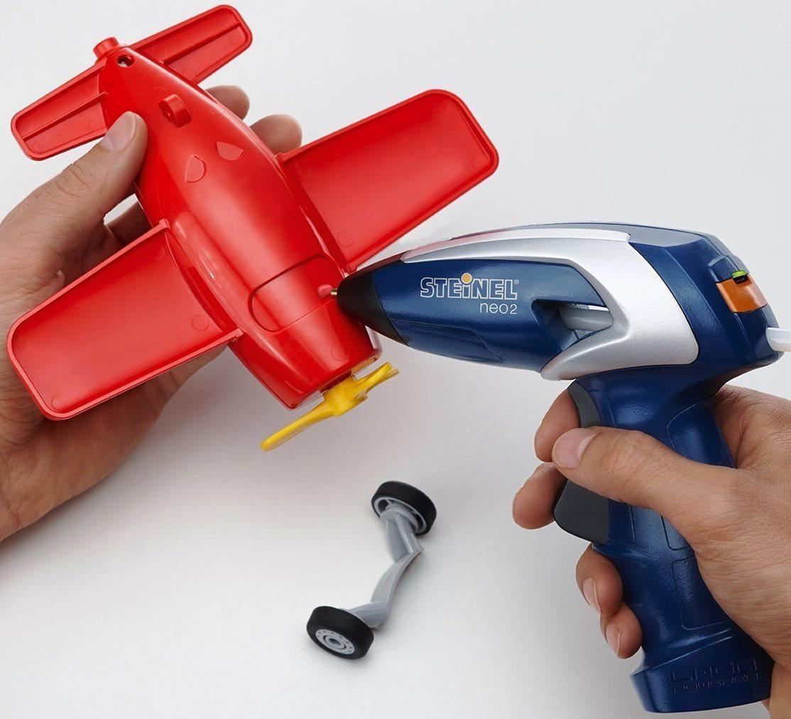 Steinel Neo 2 Heißklebepistole auf Plastik