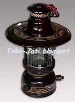 http://toko-jati.blogspot.com/2012/12/lampu-petromak-antik.html