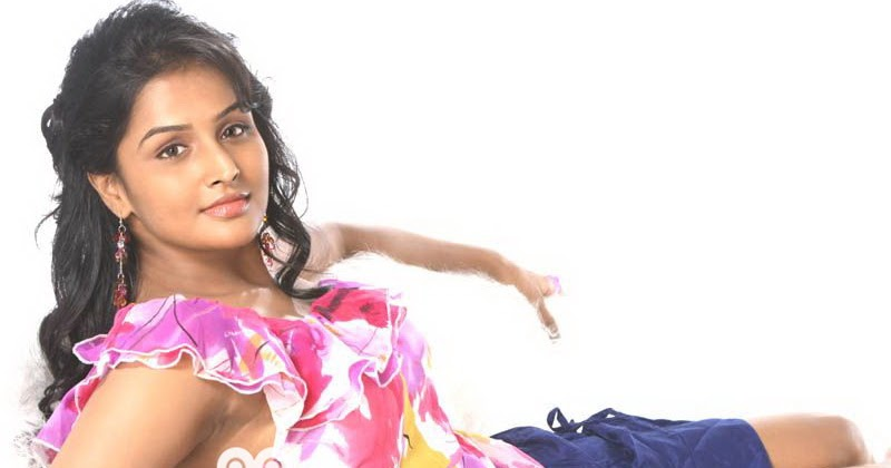 smack down celebrity tattoos: Mallu Actress Remya Nambeesan Hot Navel