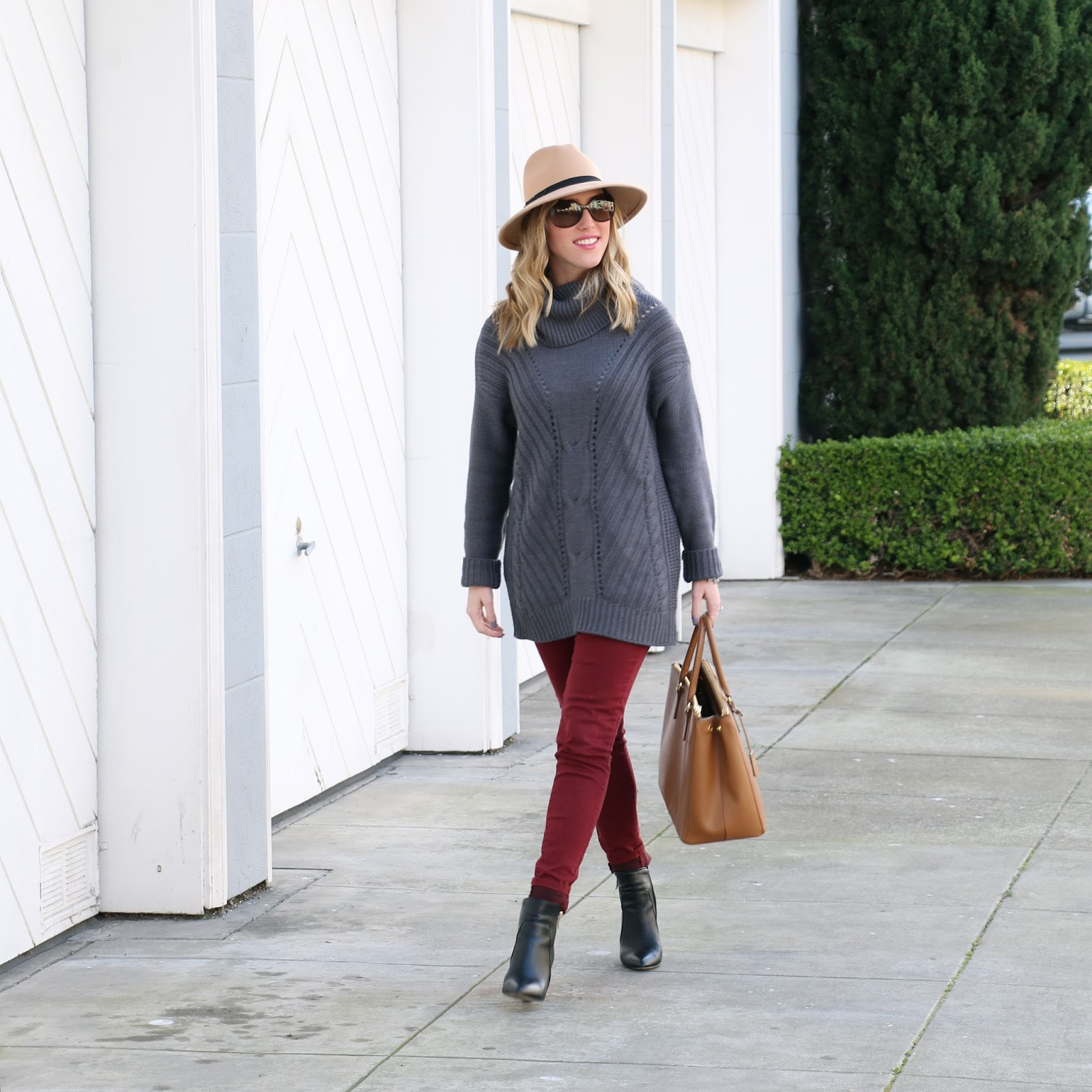 brandy melville tan hat, oversize knit michael stars sweater, oxblood jeans