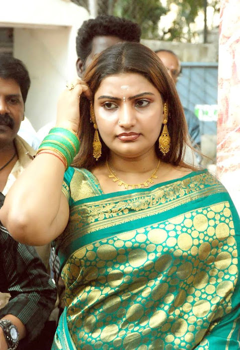 babilona in saree spicy hot photoshoot