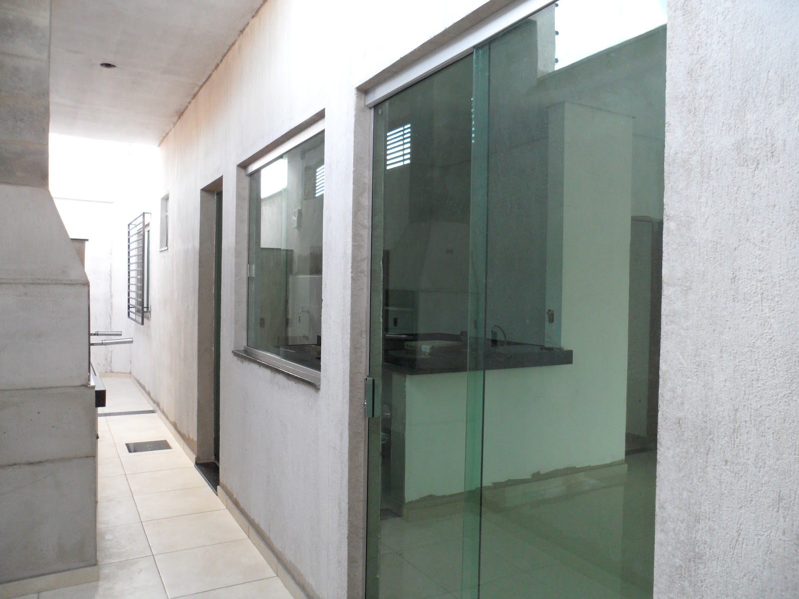 DIÁRIO DE CONSTRUÇÃO DE UMA CASA PEQUENA: REVISÃO DA SEMANA  #756256 1600x1200 Banheiro Com Blindex Preto