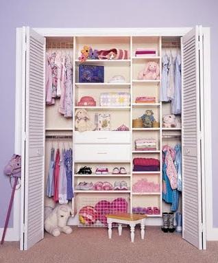 Modernos closets para habitaciones juveniles en este 2012 for Armarios roperos para habitaciones pequenas