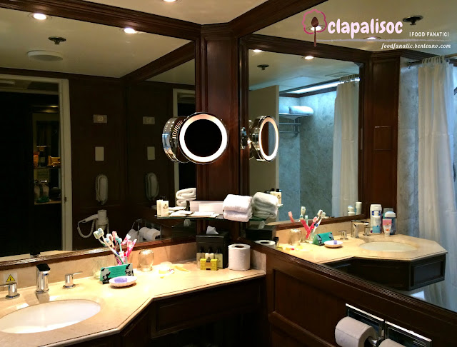 Intercontinental Hotel Manila Bathroom and Details