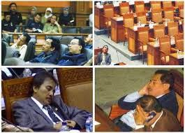 contoh gambar anggota dpr yang tidur waktu sidang soal rakyat