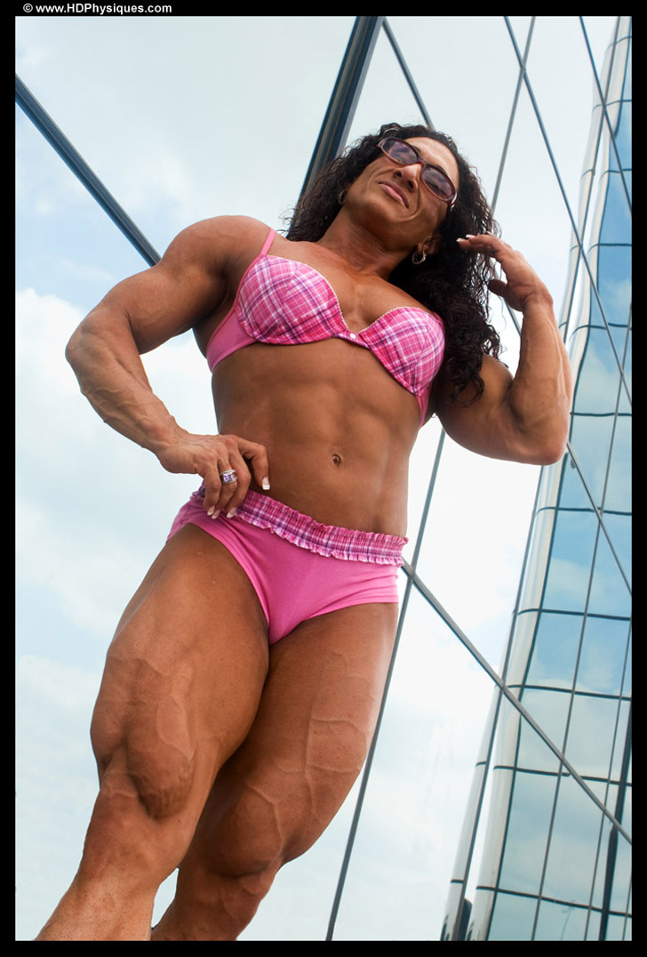 Tonia Moore Modeling Her Shredded Quads And Ripped Physique