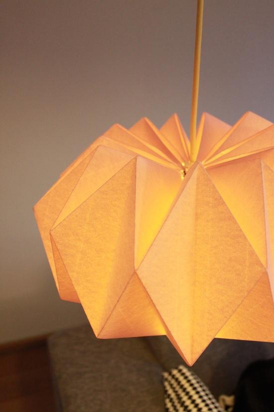 diy une lampe origami initiales gg. Black Bedroom Furniture Sets. Home Design Ideas