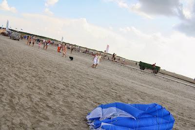 St. Peter-Ording: Fotos eines Tandem-Fallschirmabsprunges über dem ordinger Strand 54