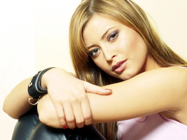 Holly Valance HD Wallpaper