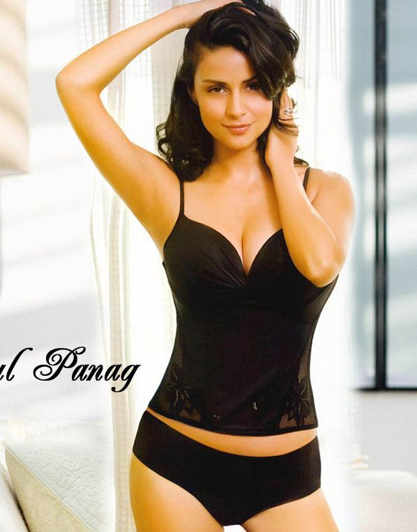 Gul+Panag+in+bikini