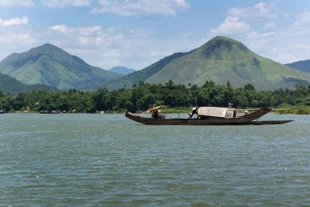 Sông Hương  - Núi Ngự