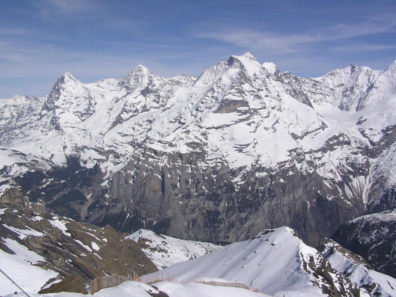 http://4.bp.blogspot.com/-KWP3-xyV-3I/T35LAyO8D_I/AAAAAAAAB-A/atsJFnP4iWM/s1600/Swiss+Alps+Mountain.JPG