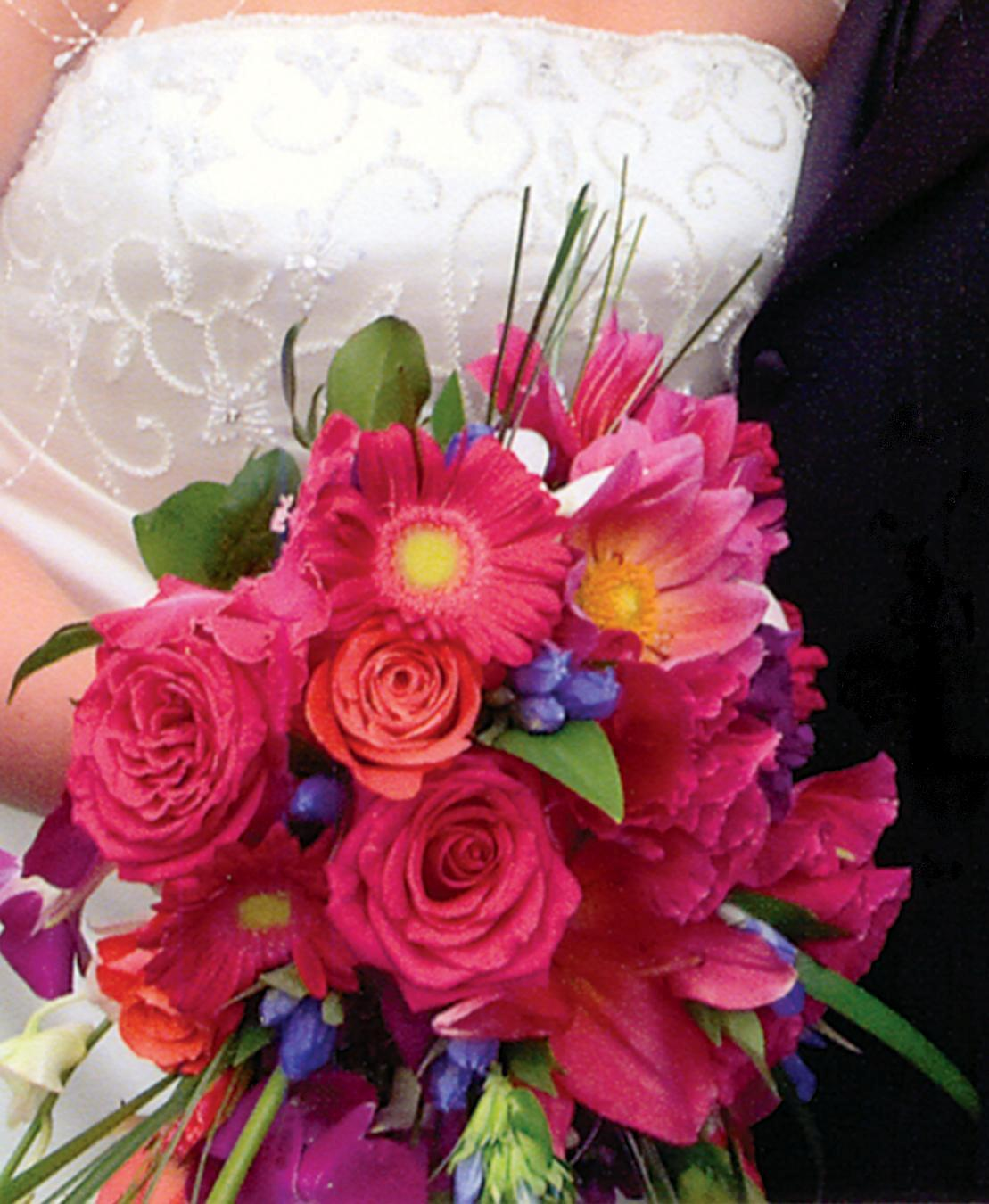 About marriage marriage flower bouquet 2013 wedding flower bouquet ideas 2014 - Flowers good luck bridal bouquet ...