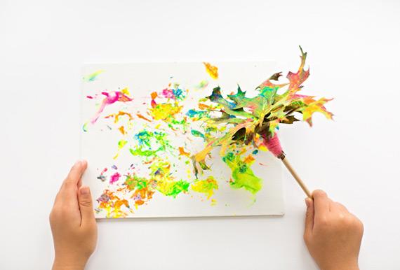 Pincel de hojas para pintar
