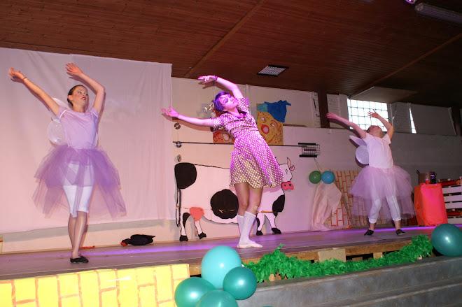 les fées & Doroty ( Julie, Tracy et Jeanne)