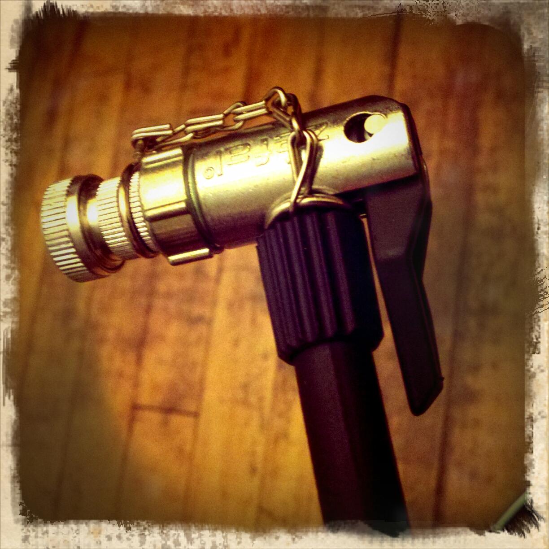 Review Of Zefal Husky Floor Pump U2013 Presta And Schrader Valve Head