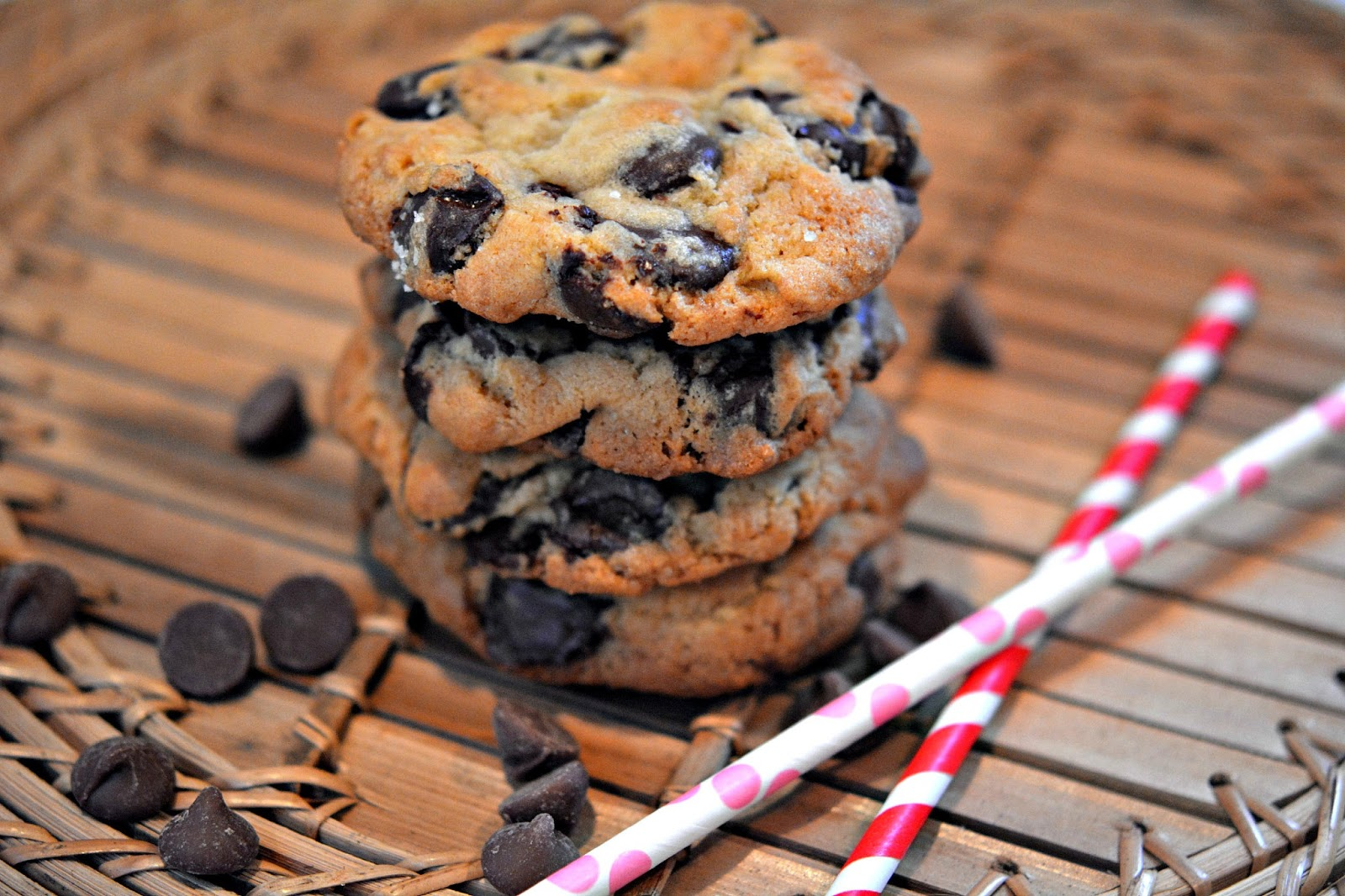 NEW YORK TIMES CHOCOLATE CHIP COOKIES WITH SEA SALT - Hugs and ...