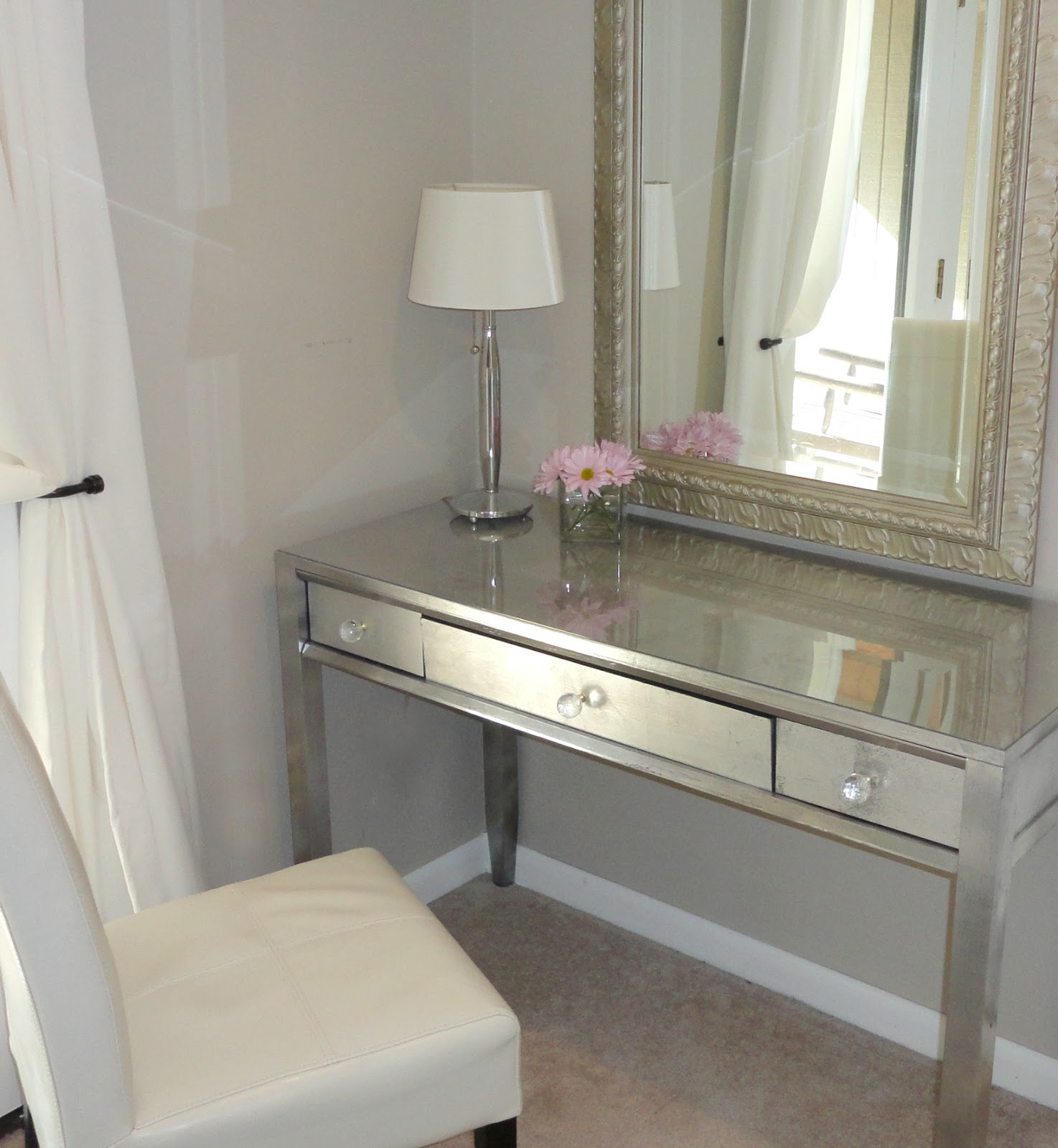 awesome vanity and interior decor lights furniture for with mirror mirrored home table charming