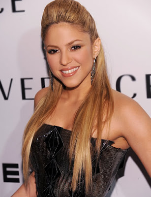 Shakira Hot Photo in Black