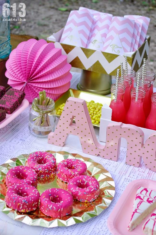 Rosa y dorado para una fiesta egipcia 613materika - Decoracion fiesta rosa ...