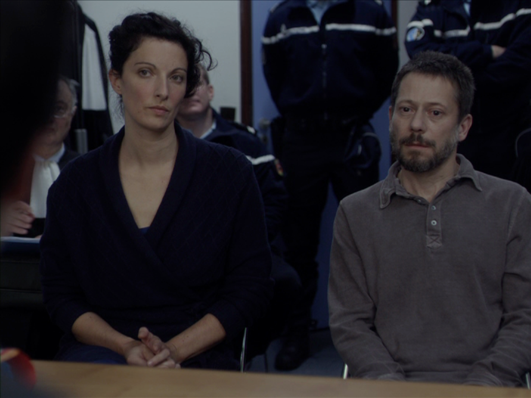 Movie and tv screencaps the blue room aka la chambre for Amalric la chambre bleue