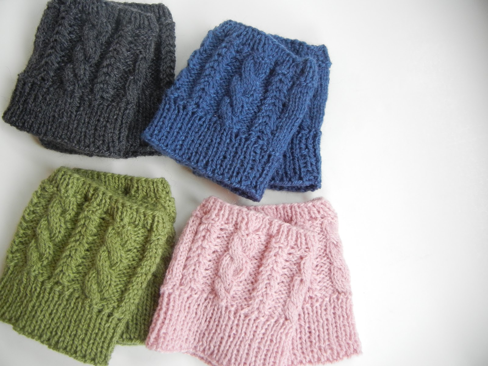 Knitting 4 Stitches Together : nook.: beccas cabled boot cuffs!