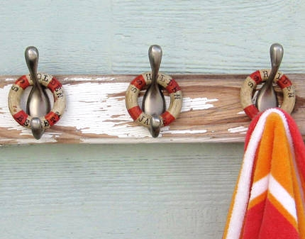 easy nautical wood craft with vintage curtain rings