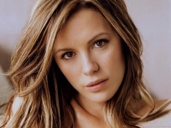 Kate Beckinsale Hollywood Wallpaper