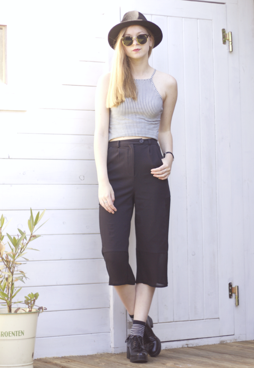 outfit black trousers culotte mesh urban outfitters