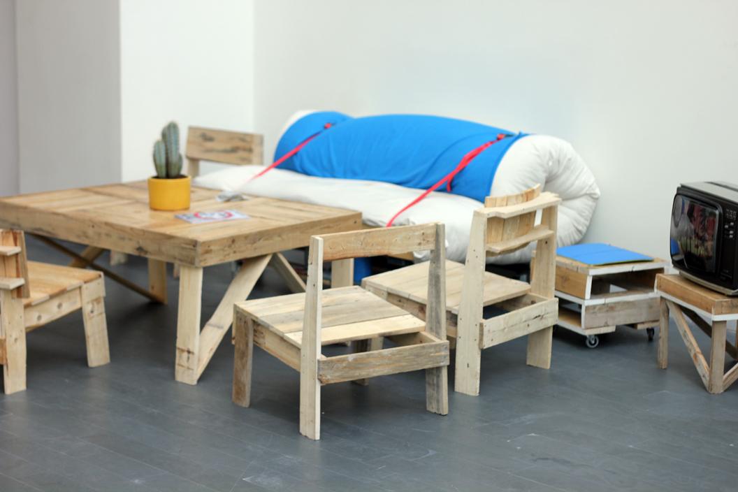 Rural contempor nea guillermo trapiello 39 living room - Mobiliario con palets ...