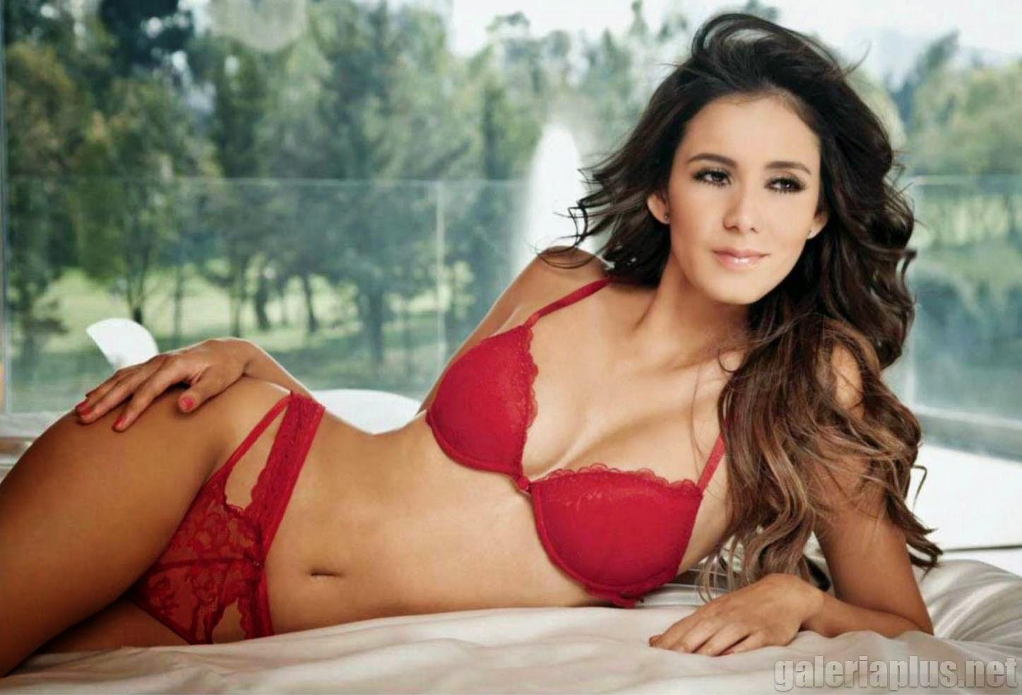 Bárbara Islas Revista H para Hombres Febrero 2015 | Mujeres y Revista