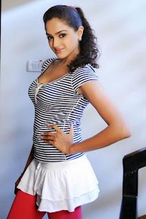 Asmitha Sood Glam doall spicy Pics Alluring Portfolio