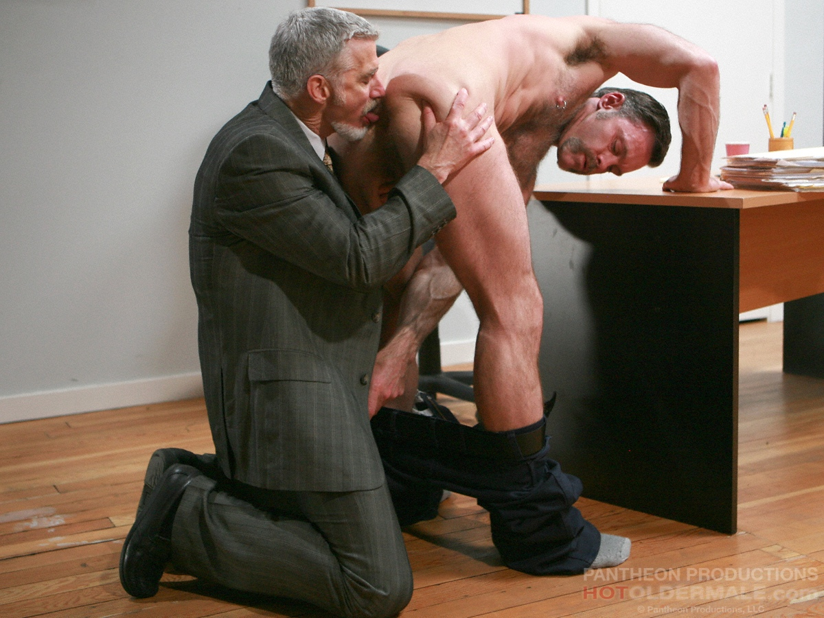 Смотреть порно секс зрелые мужики 9 фотография