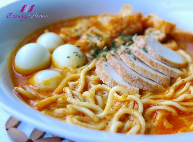 prima taste premium noodle in aromatic curry soup