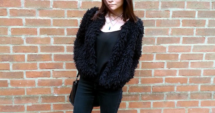 street style black fluffy cardigan fashion blogger