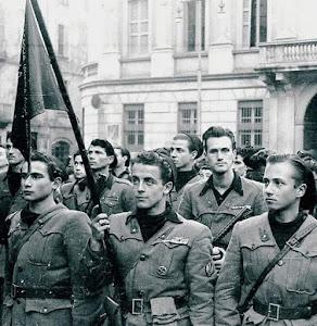 Milano piazza San Sepolcro,compagnia giovani fascisti di Bir el Gobi