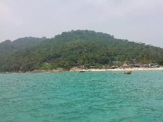 7 Pantai di Sambas