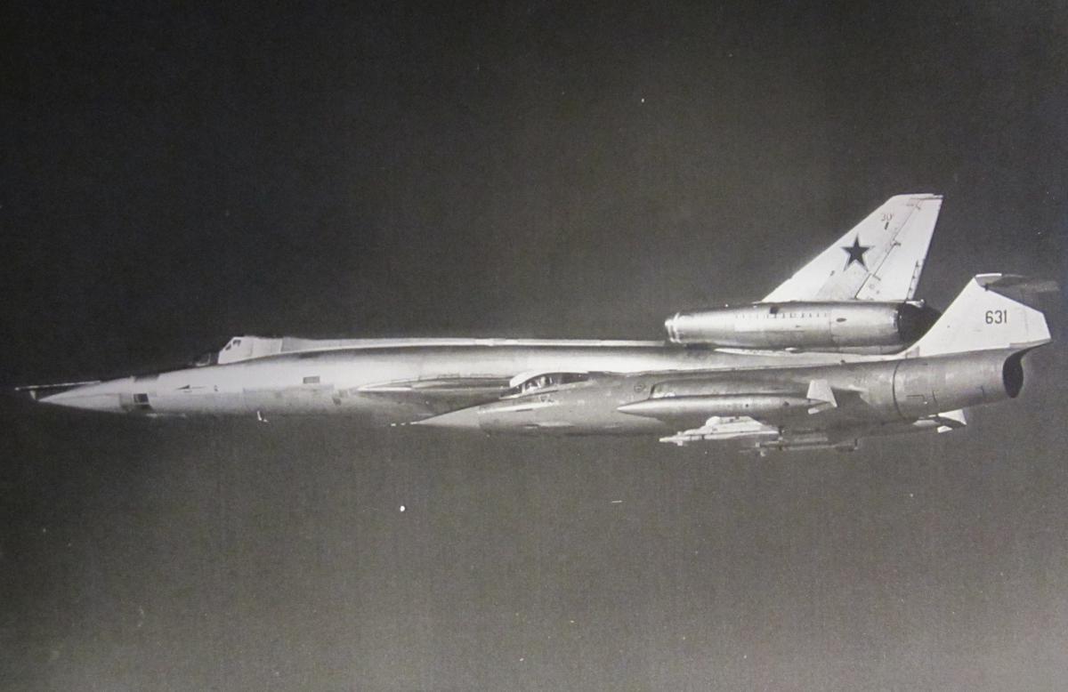 russie TU-22UD+30+15+ODRAP+Y+F-104+DANES+O+NORUEGO+09-1991