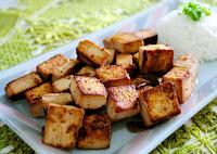 Cubinhos de Tofu ao Shoyu, Gengibre e Alho (vegana)