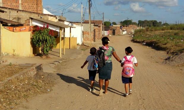 http://www.blogdofelipeandrade.com.br/2015/10/mulheres-relatam-violencia-trazida-pelo.html