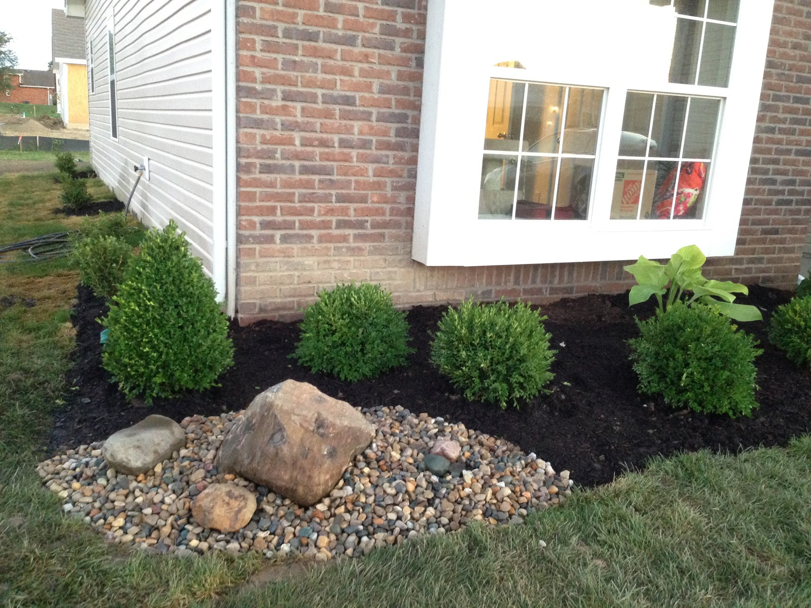 rock accent in landscaping