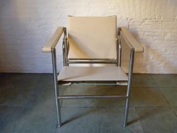 Encantsvintage silla basculante lc1 dise o le corbusier for Silla le corbusier