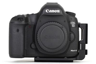 Sunwayfoto PCL-5DIII L Bracket on Canon 5D MK III front view