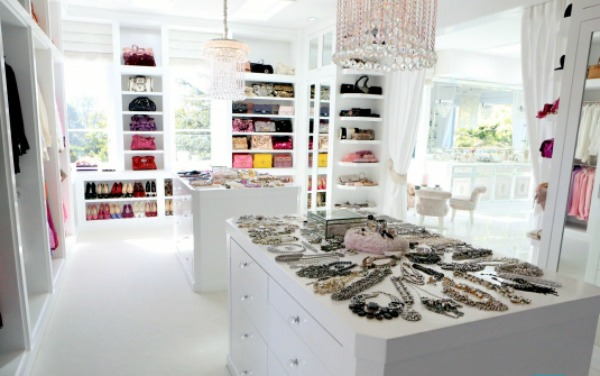 Lisa Vanderpump 39 S New Beverly Hills Home T A N Y E S H A