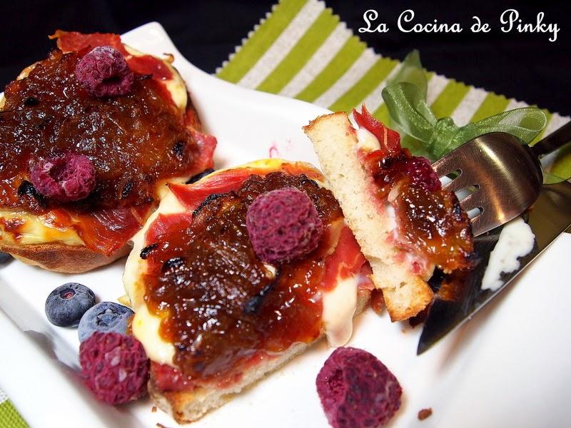TOSTAS DE JAMON IBERICO ,QUESO Y CEBOLLA CARAMELIZADA  Tostas+de+jamon+iberico+,queso+y+cebolla+caramelizada+2