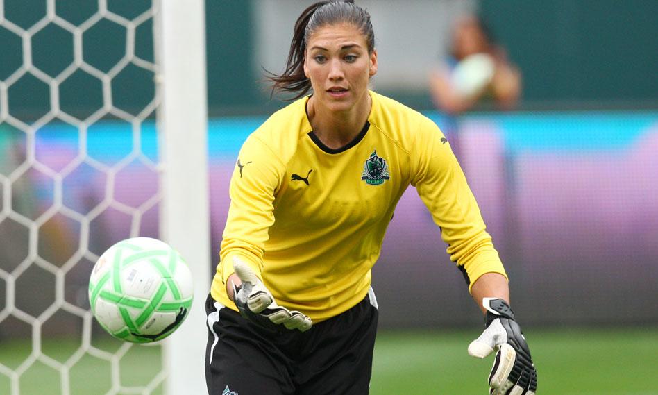 hope amelia solo sexy american soccer goalkeeper sport