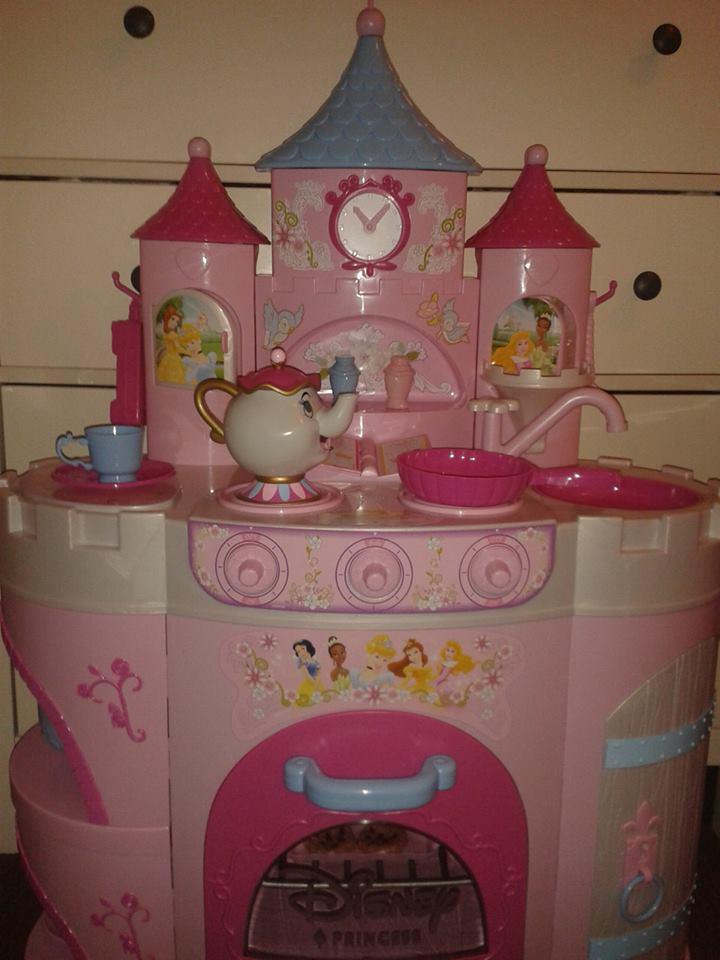 B u b b a B l o g . c o . u k: Toys R Us Disney Princess Kitchen